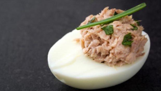 Las 5 recetas de huevos rellenos más refrescantes, originales y deliciosos del verano