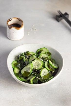 Ensalada de algas wakame con pepino