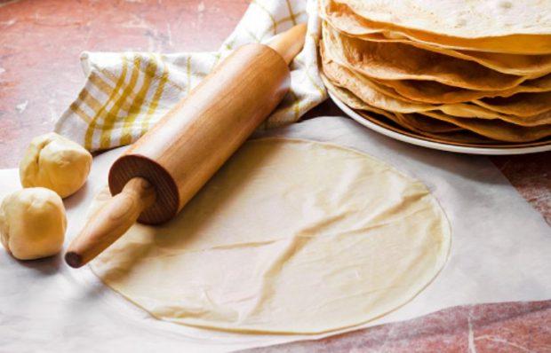 Empanadas jugosas de jamón y queso: una receta lista en minutos