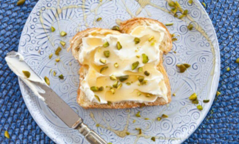 Crema de pistachos para untar, receta sencilla para aperitivos y tapas 1