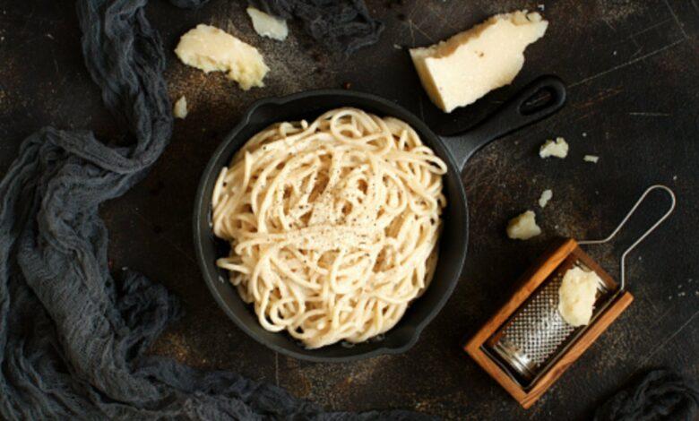 Receta de espaguetis cacio e pepe al estilo romano 1