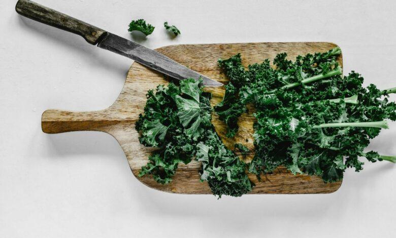 Receta de Kale salteado con ajo fácil de preparar 1