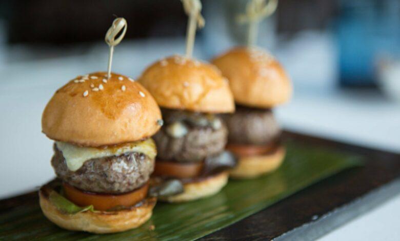 Las 5 mejores recetas de mini hamburguesas para una cena de picoteo que hará historia 1