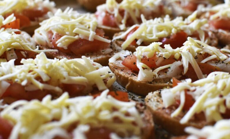 Pan de tomate, mozzarella y queso al horno 1