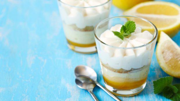 Mousse de limón, 5 recetas para crear el postre más deseado y refrescante del mundo