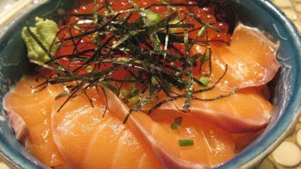 Huevos y salmón