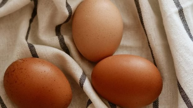Cómo hacer huevos pasados por agua: temperatura y tiempo.