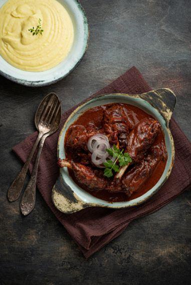 Coq au vin o pollo al vino, receta francesa para mojar pan y disfrutar 2