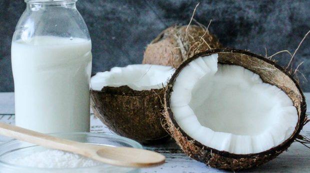 Helado de coco vegano, artesanal y sin gluten, receta fácil de preparar