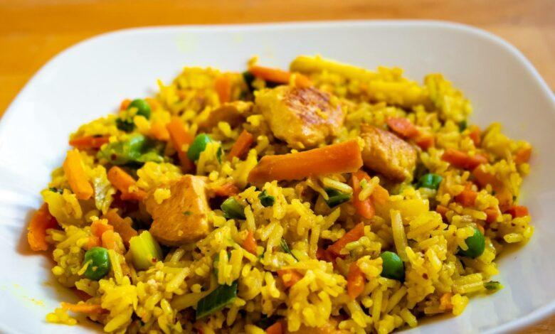 Arroz seco de verduras con curry al microondas 1
