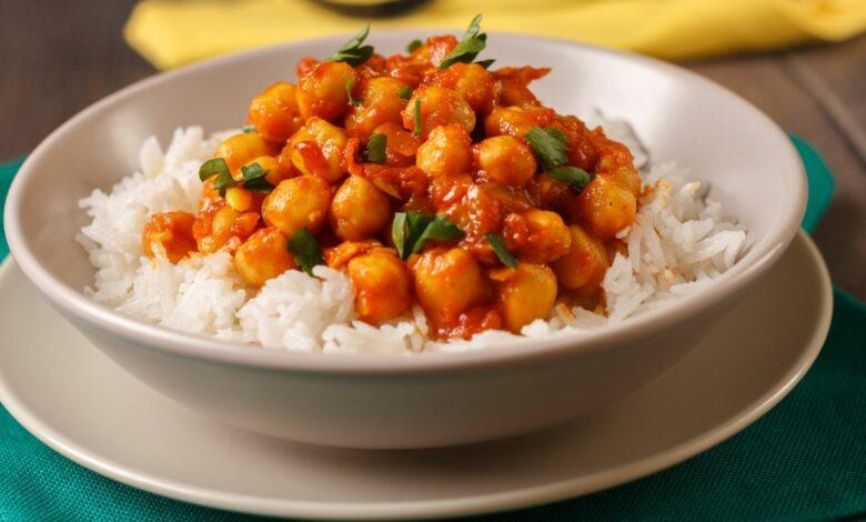 Garbanzos con cordero al curry, una receta de Karlos Arguiñano 1