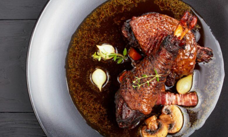 Coq au vin o pollo al vino, receta francesa para mojar pan y disfrutar 1