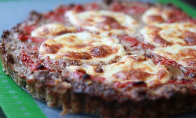 pizza con base de carne para dietas proteicas y cetogénicas 1