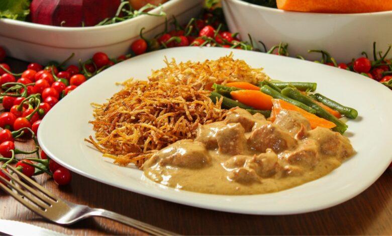 Salchichas con salsa Strogonoff, un plato delicioso y original 1