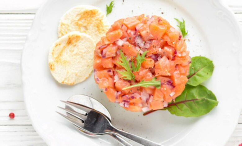 Tartar de salmón con un toque de sésamo 1