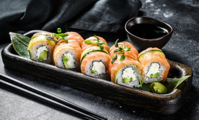 Sushi rápido con queso de untar y salmón ahumado, receta de verano 1