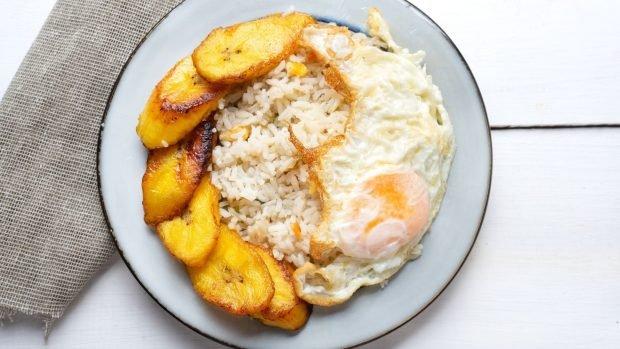 Arroz a la cubana tradicional, una receta cuyo origen no está en Cuba 2