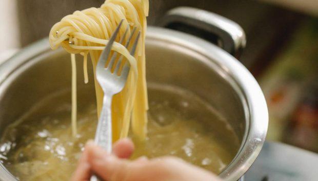 Spaghetti al cava, una receta de pasta de lujo fácil de preparar