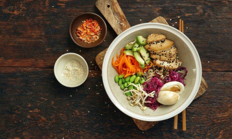Poke bowl de tofu, una receta hawaiana para vegetarianos 1