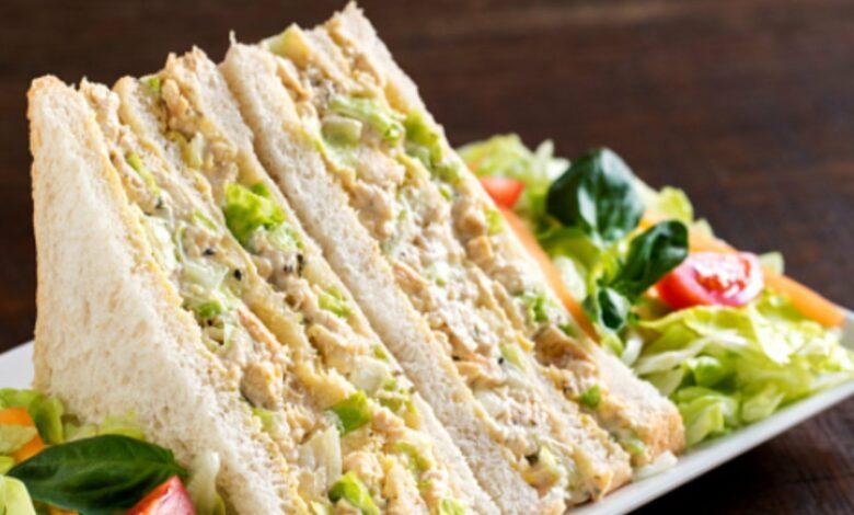 Sándwich de pollo y maíz, receta de cena o comida rápida saludable 1