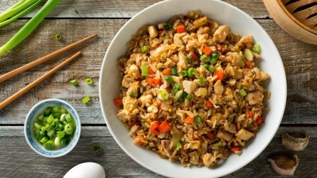 Las 5 mejores recetas de arroz frito para una cena rápida en un restaurante