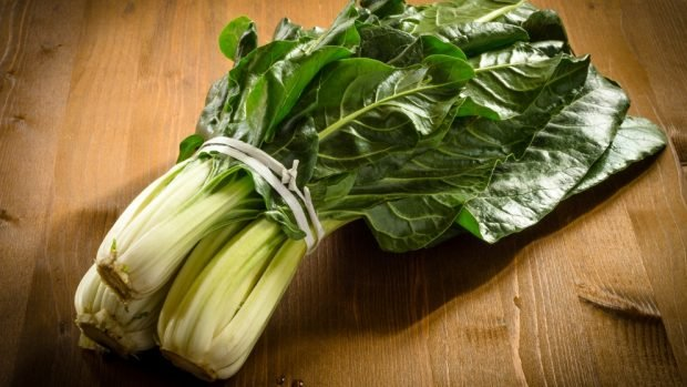 Acelgas gratinadas con queso, receta para disfrutar verduras