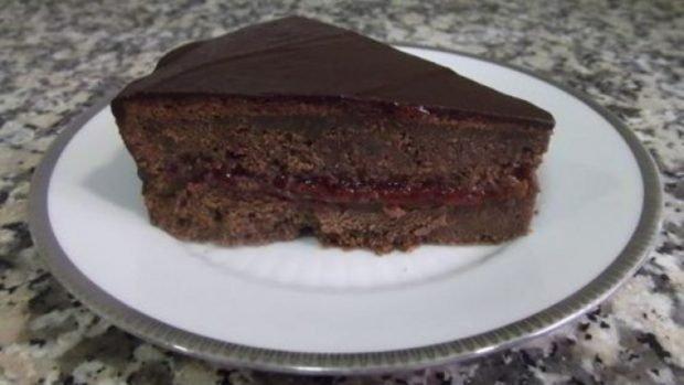 Tarta de chocolate y fresa