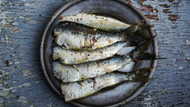 Sardinas asadas con ajo y perejil al microondas, receta rápida y saludable 5